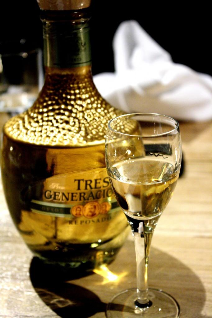 Tres generacions repasado tequila