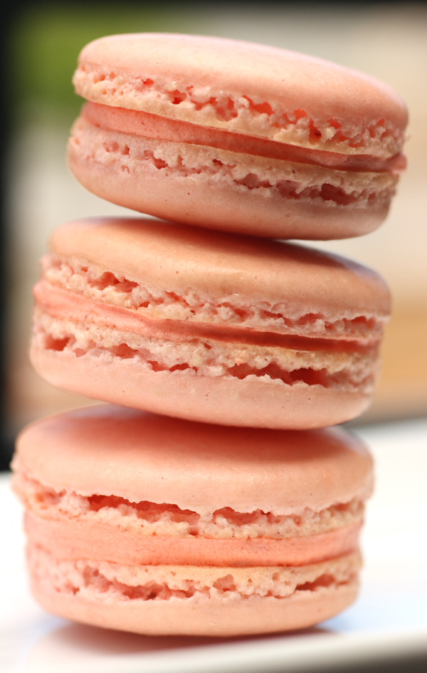 Tips on making French macarons and troubleshooting |