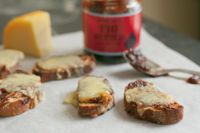 fig cheese crostini 2